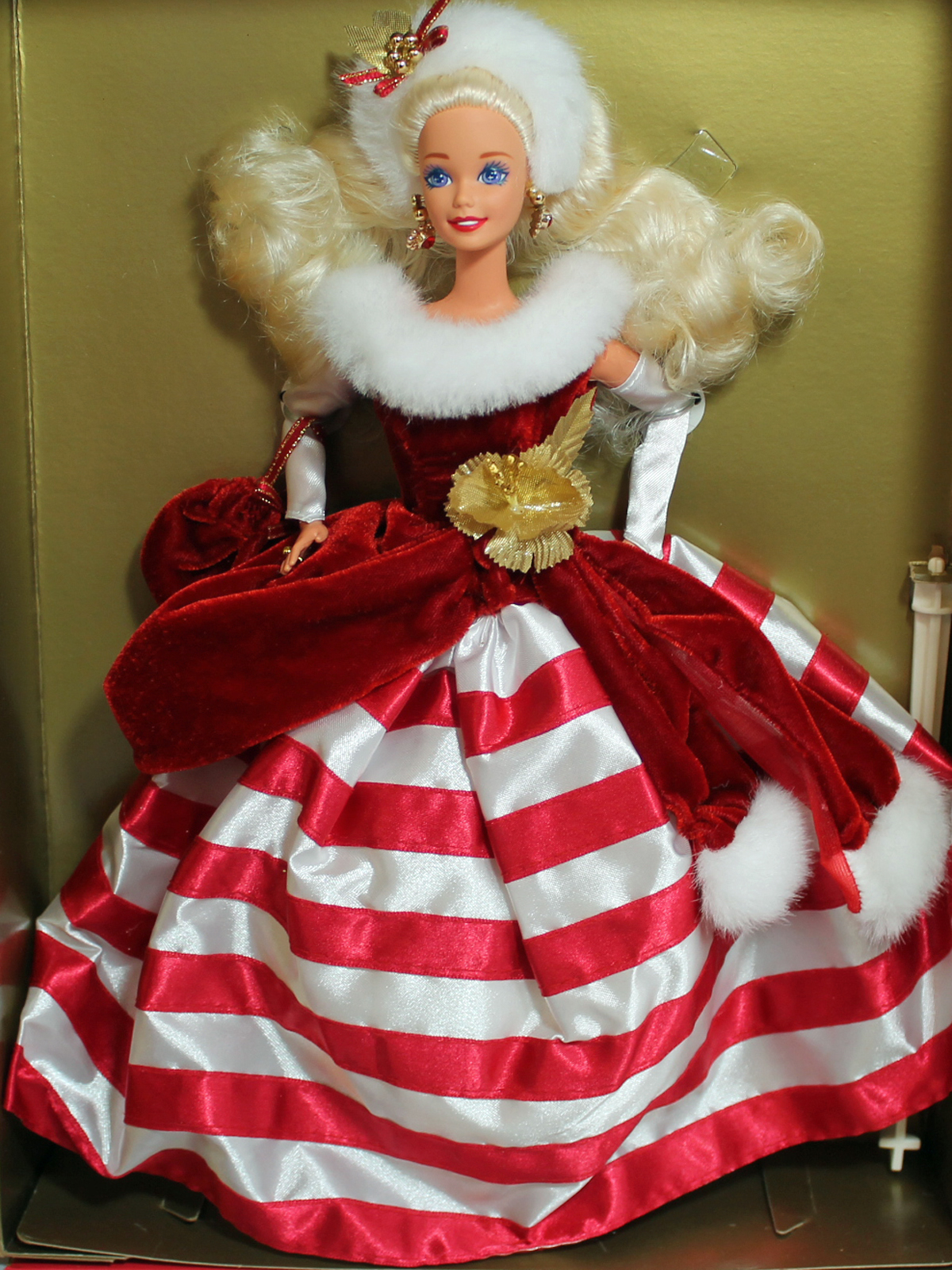 Limited Edition MIB NRFB Winter Princess Collection Peppermint Barbie  1994